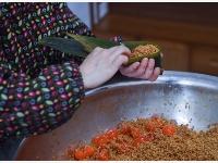 """传统""""灰汤粽""""带动山乡特色产业"""
