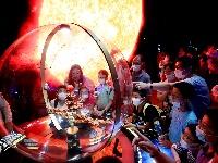 上海天文馆迎来首个公众开放日